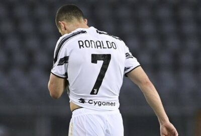 Ronaldo, addio al numero 7 allo United